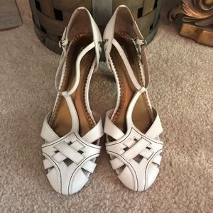 Seychelles White Size 10 Summer Sandals/Heels